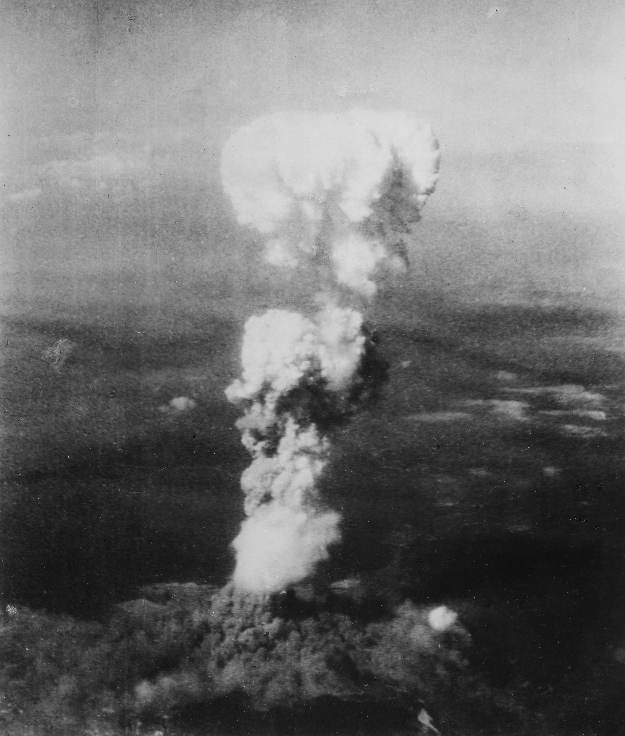 02atomic_cloud_over_hiroshima